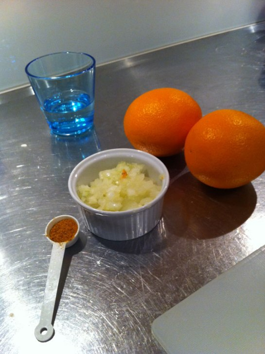 mise en place, curry, apelsin